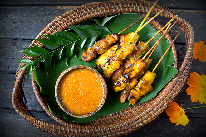 Bali: prepare satay fish in Seminyak