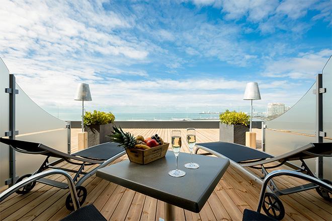 nos plus beaux h tels avec vue mer. Black Bedroom Furniture Sets. Home Design Ideas