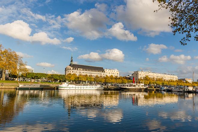 Nantes, in due sulla due ruote