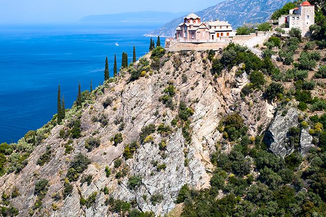 Greece's dazzling views and horizon...