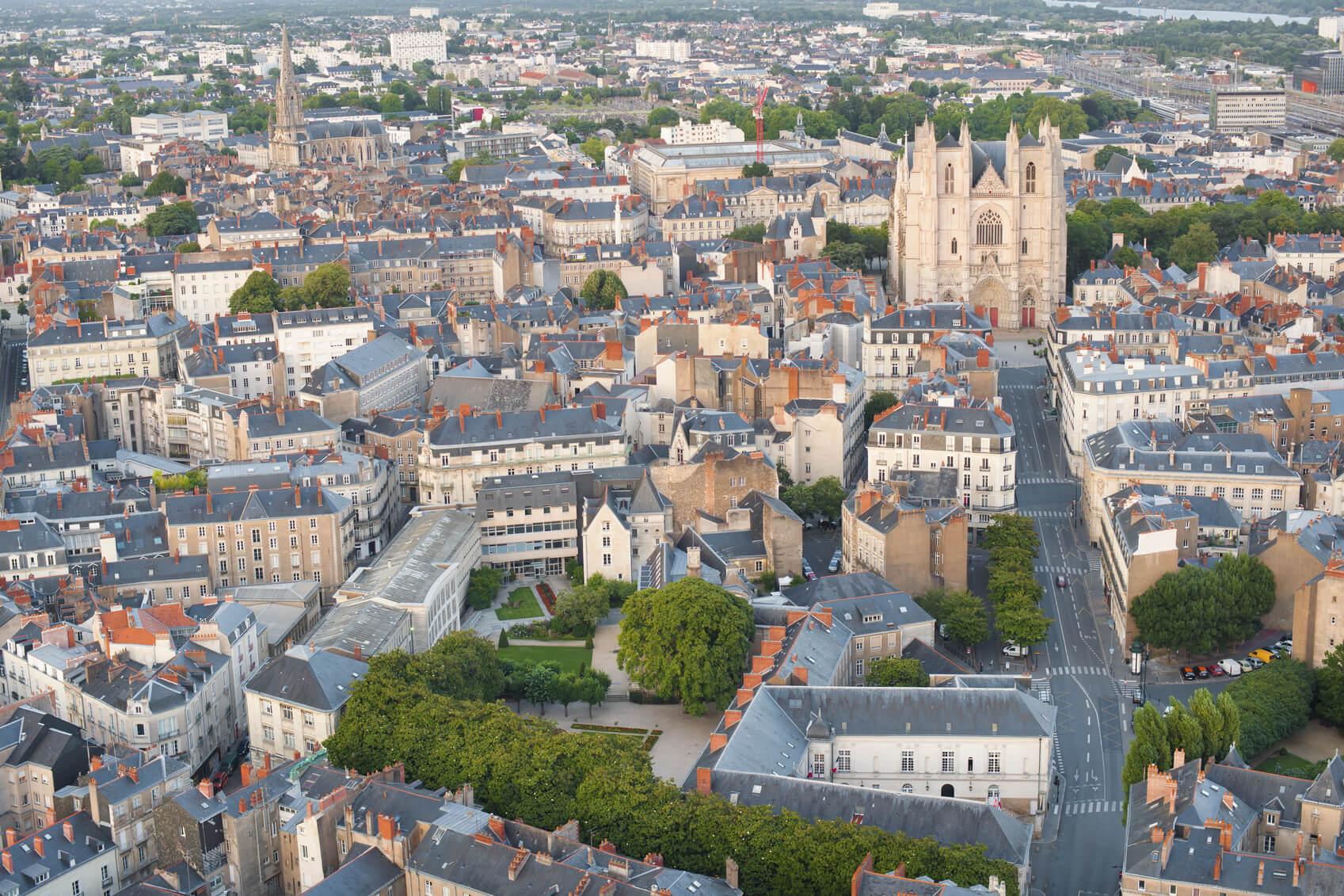 Une vue sur la ville de Nantes et sa Cathédrale Saint-Pierre-et-Saint-Paul