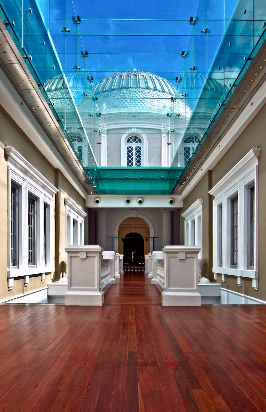 A passageway in the National Museum of Singapore. Source: someformofhuman