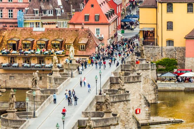 Die Alte Mainbrücke in Würzburg