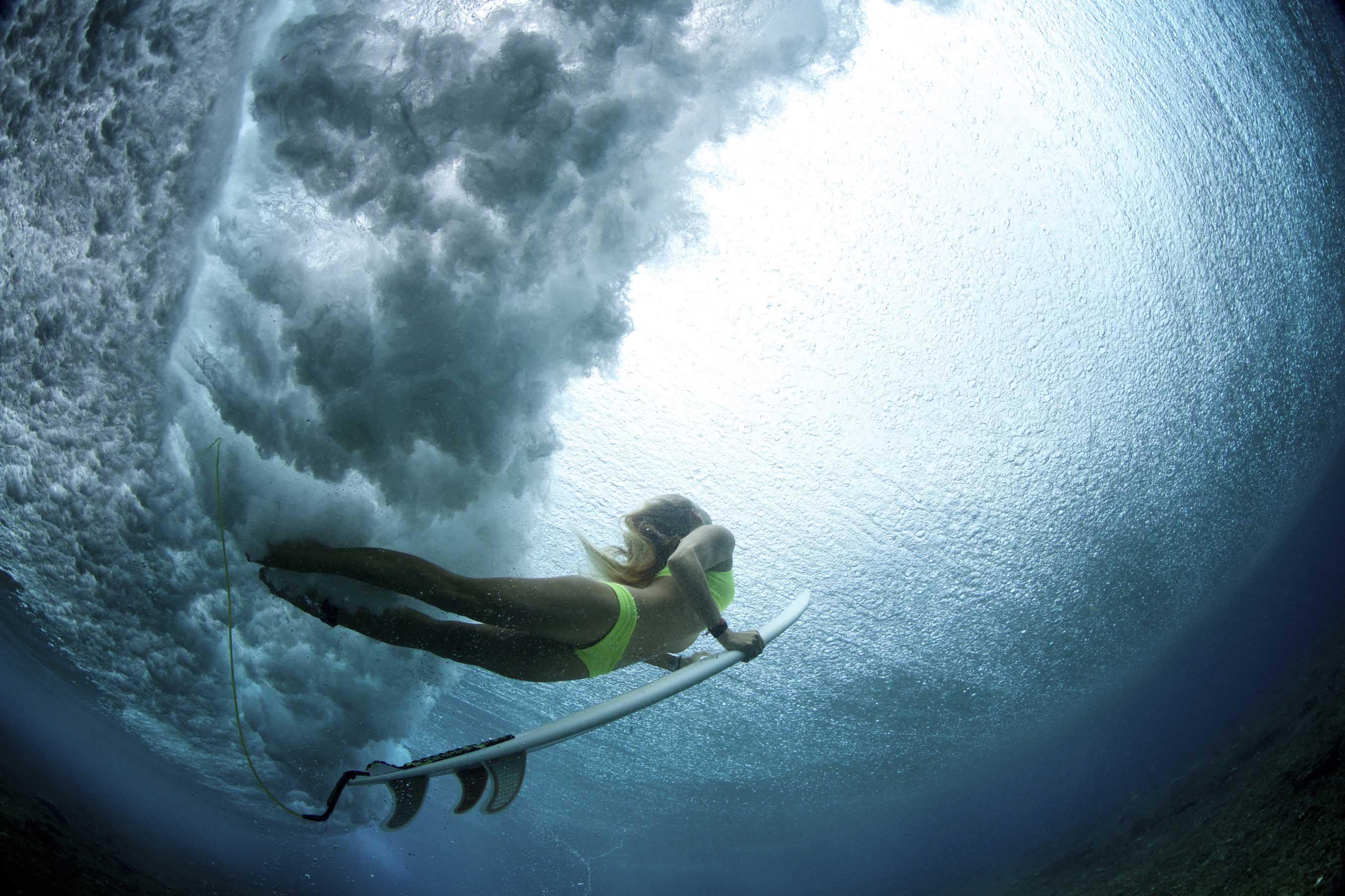 surfar nas melhores ondas