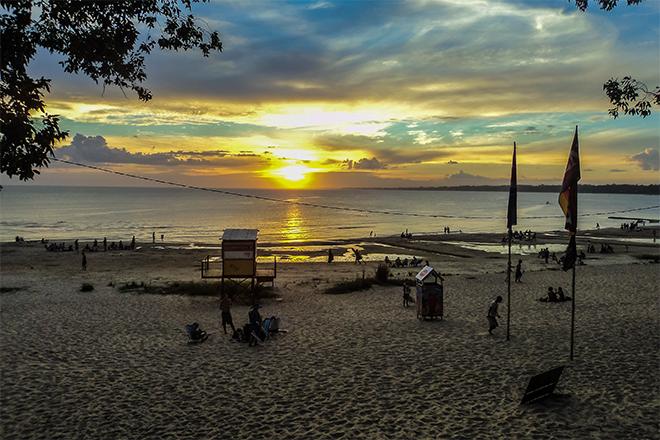 Praia na cidade de Atlântida