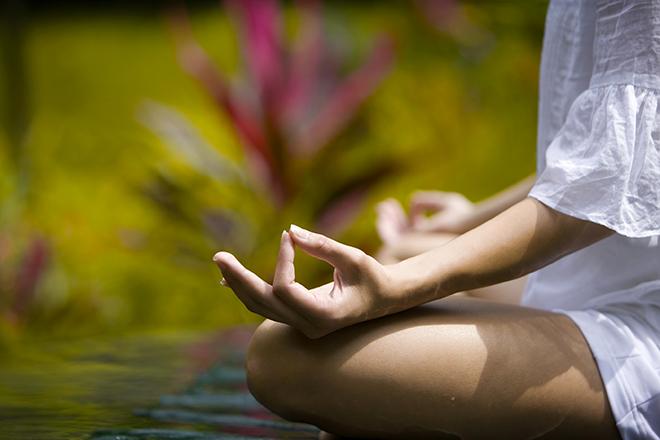 Méditation dans les montagnes à Bali