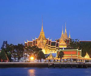 In Bangkok einen Mangosaft trinken