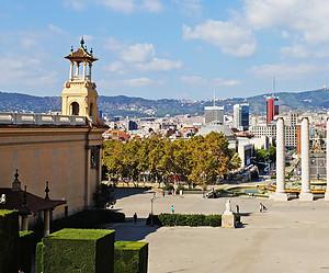 Calles y plazas con encanto para visitar en Barcelona