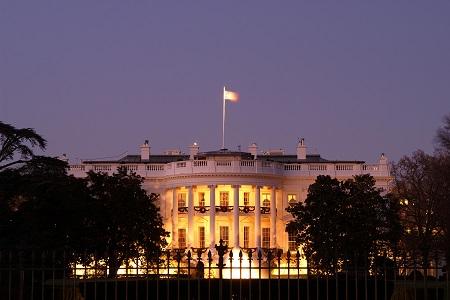 Vista nocturna de la Casa Blanca