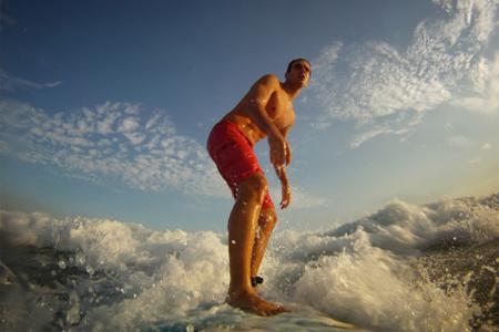 Un surfero en Rio de Janeiro