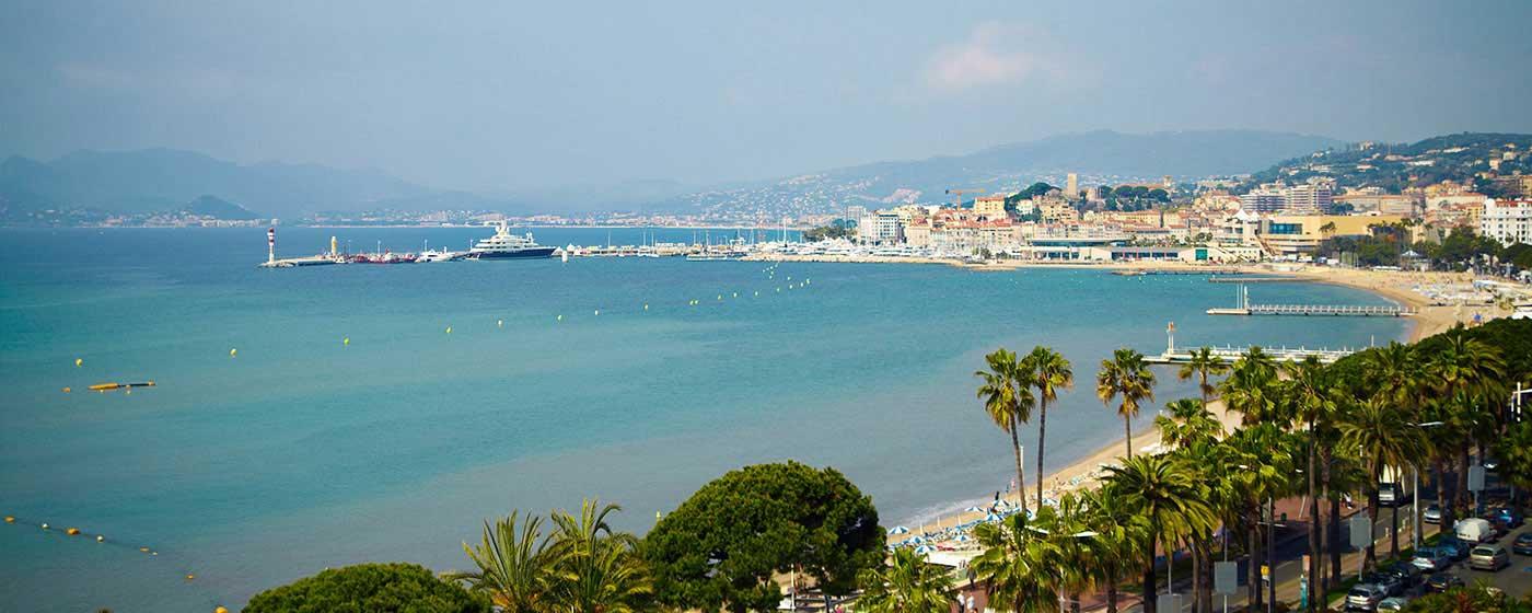 Monter les marches comme un acteur de ciné culte à Cannes