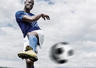 Um jogador de futebol