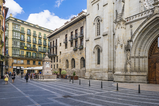 Plaza en el centro de bilbao