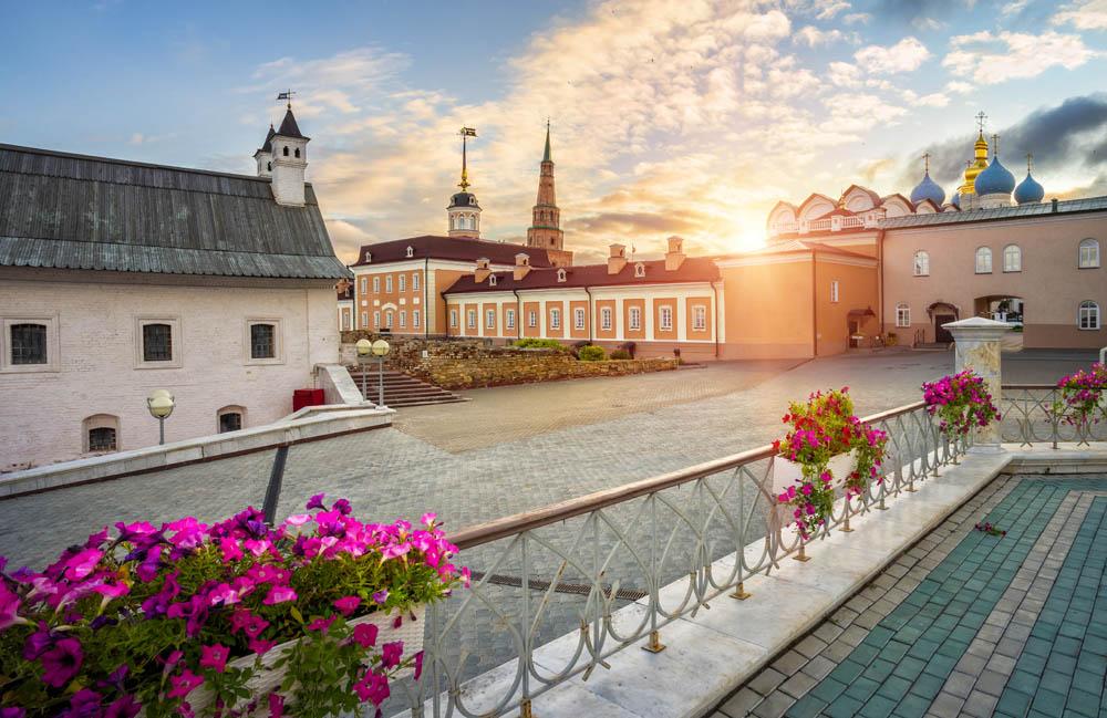 Старые здания в Казанском Кремле