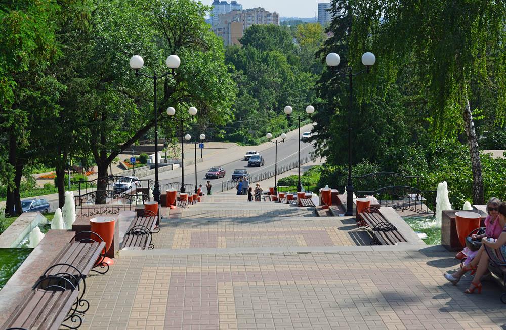 Вид на одну из центральных улиц города