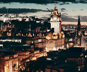 Exploring Edinburgh by Night
