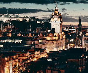 Exploring Edinburgh by Night