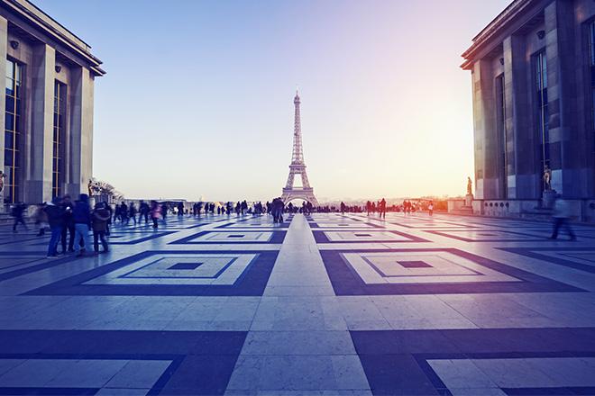 eiffel-tower-seventh-arrondissement-paris