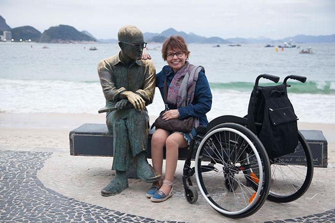 Estátua de Carlos Drummond de Andrade, no Rio de Janeiro