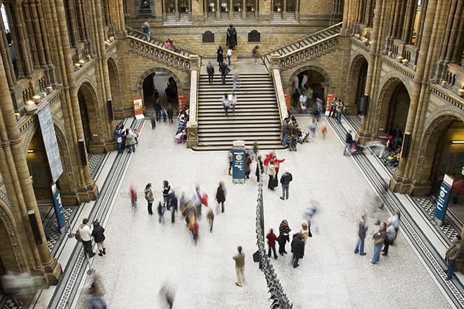 explore-museums-victoria-station-london