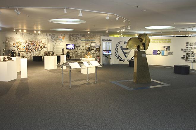 Sala de exposição do Memorial da Inclusão