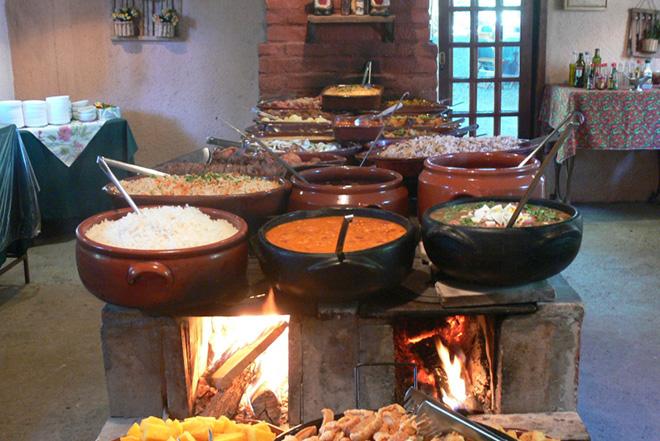 Buffet do restaurante Feijão com Tranqueira (Foto: Feijão com Tranqueira)