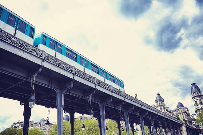 getting-around-paris-metro