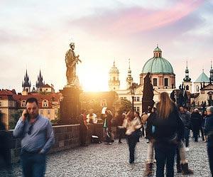 In Prag ist Ihr Glasuntersetzer Ihr Verbündeter