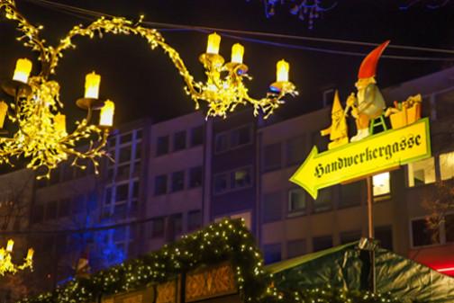 Weihnachtsmarkt in Köln mit Heinzelmännchen