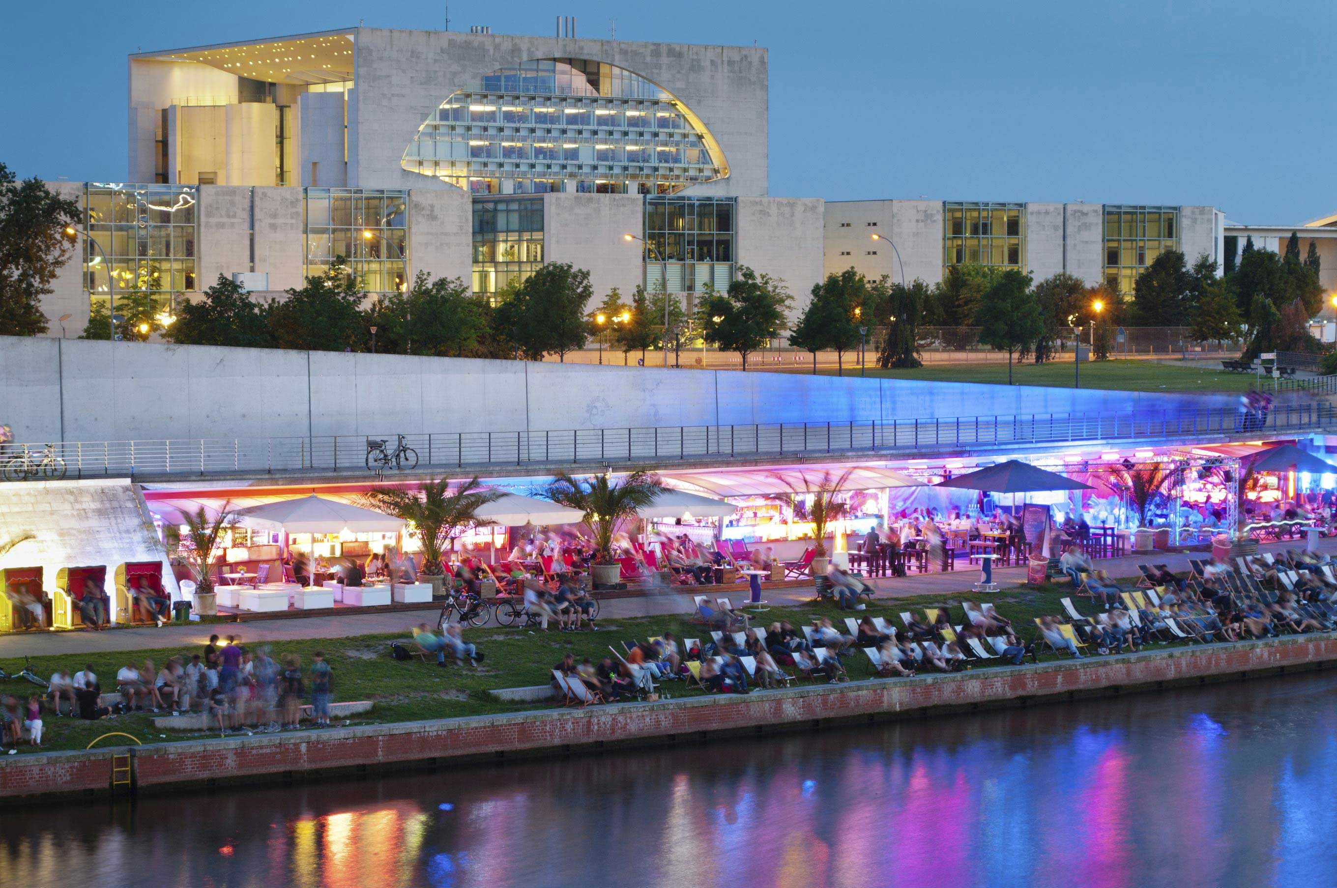 Berlino/party/strand/bar/chancellery