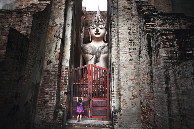 petite fille qui voulait voir Bouddha en Thaïlande © Kares Le Roy