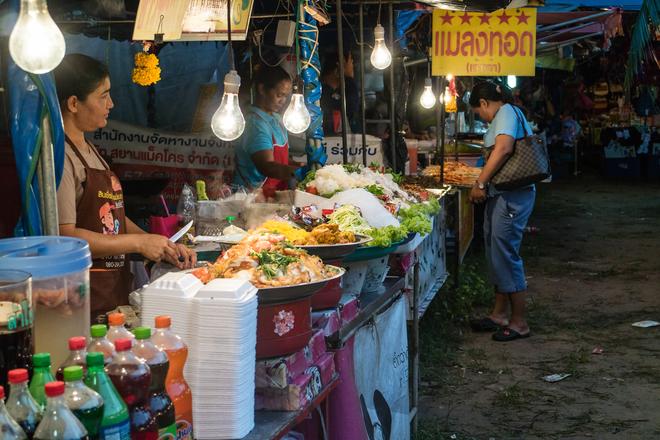 lamai night market