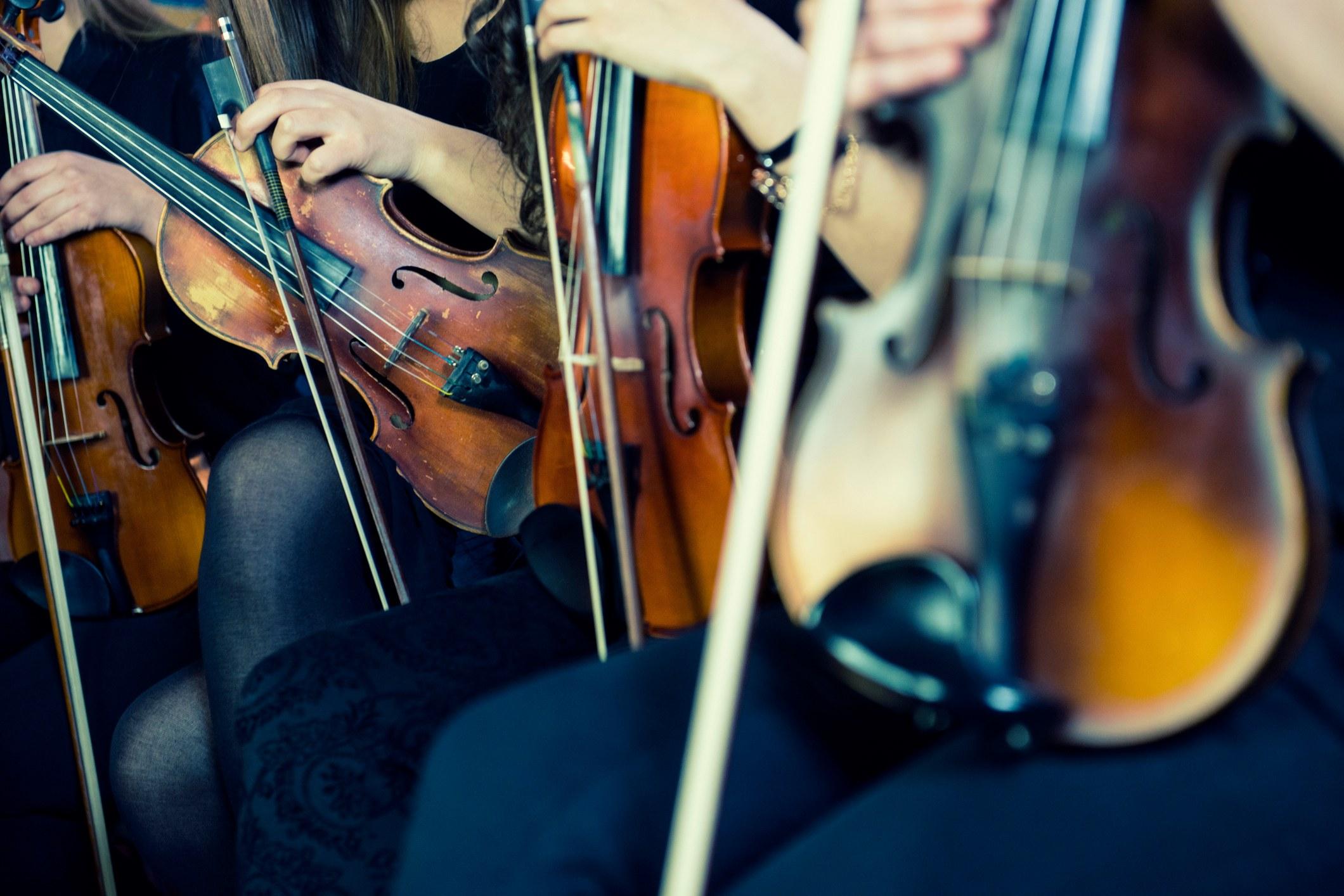 femme violiniste, concert de musique classique