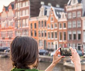 Amsterdam versus Rotterdam