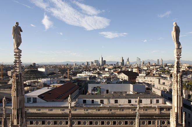 panoramica di milano vista dal duomo