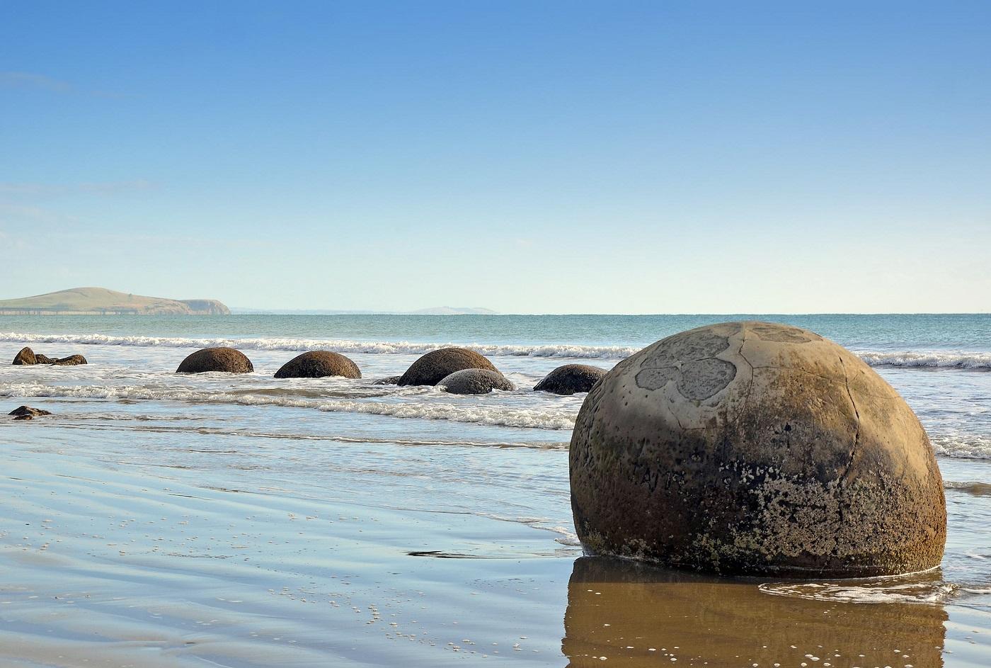 moeraki-boulders-new-zealand