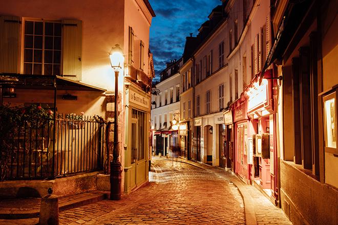 montmartre-at-night-paris