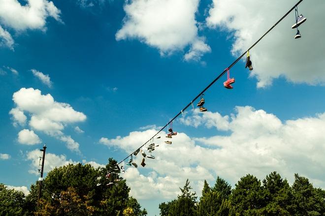 il monumento delle scarpe al letna park