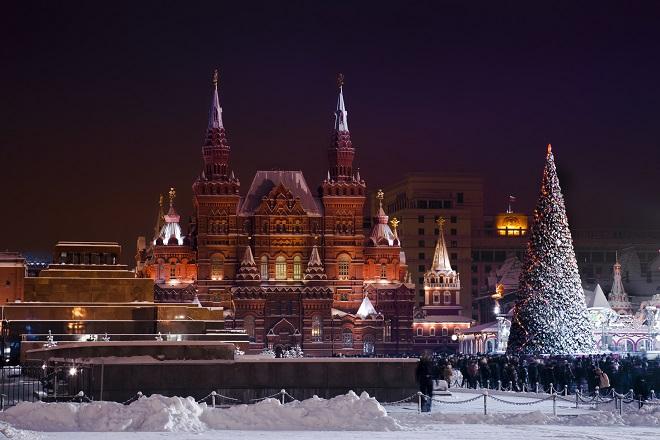 Albero di Natale in Piazza Rossa a Mosca