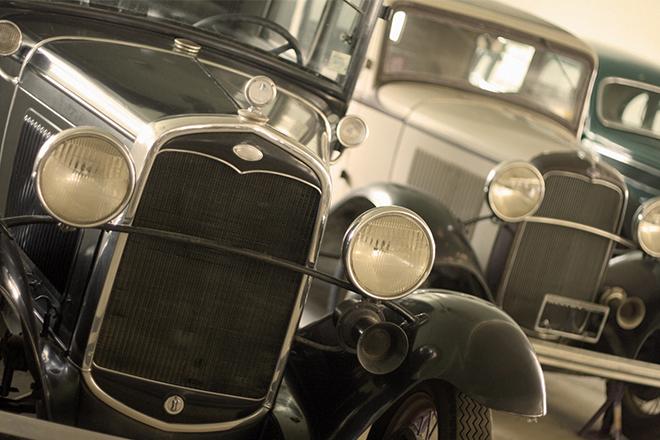 Carros antigos no Museu do Automóvel