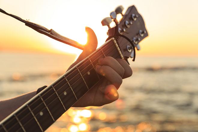 Música à beira-mar (Foto: Getty Images)