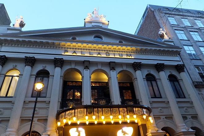 palladium-theatre-london©Darren-Glanville