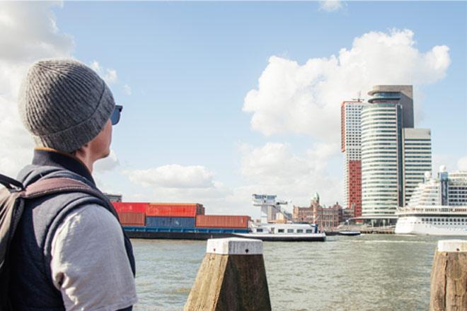 Tourist in Rotterdam