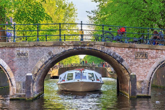 Les célèbres canaux d'Amsterdam