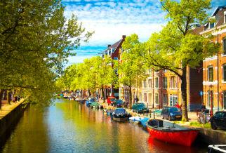 Amsterdamse boothuizen en grachtenpanden