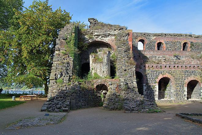 De ruïnes van Kaiserpfalz in Kaiserswerth