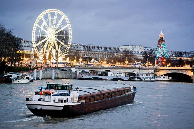 paris-at-night-december