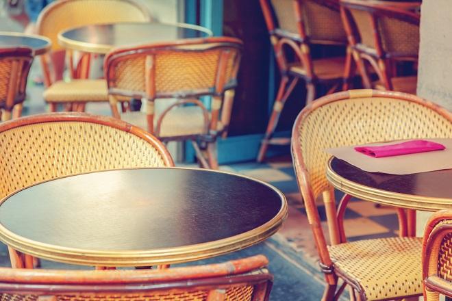 Una terraza en París