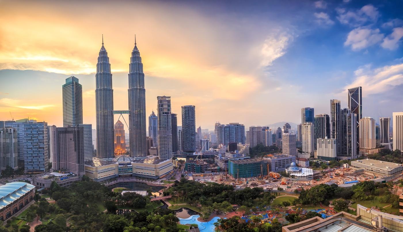 Petronas Towers – Kuala Lampur, Malaysia