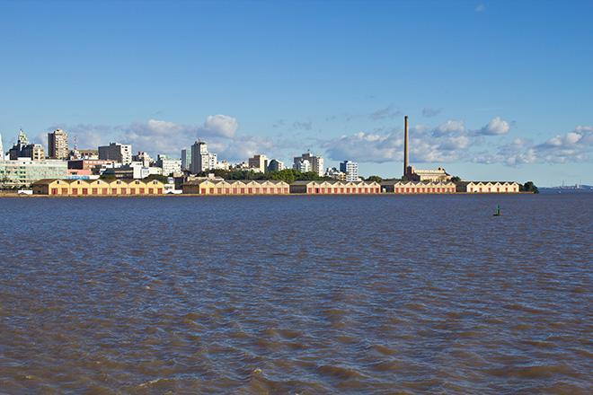 Lago do Guaíba e Porto Alegre ao fundo